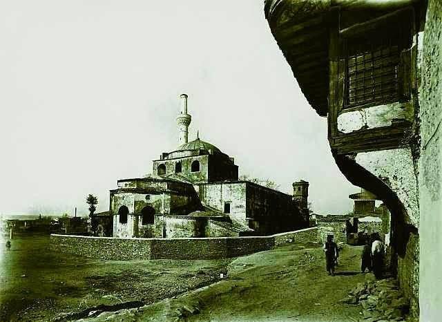 Αγία Σοφία, θέα από τα βορειοανατολικά (φωτογραφία RW Schultz, SH Barnsley 1888-1890). Salonicco, Chiesa di Santa Sofia