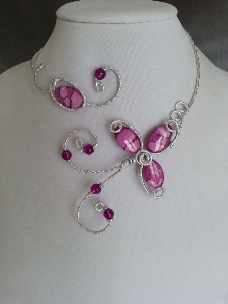 """""""Collier en fil aluminium"""", """"Collier ouvert"""", """"Collier ras du cou"""", """"Collier violet"""" : Collier par bijouxlibellule"""