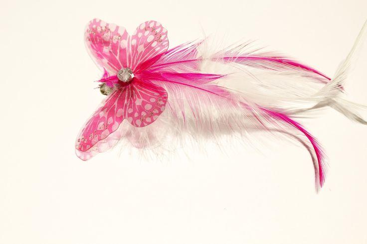 barrette, pince à cheveux papillon transparent rose et fuchsia et plumes blanches (mariage, cérémonie...) : Accessoires coiffure par elodycrea