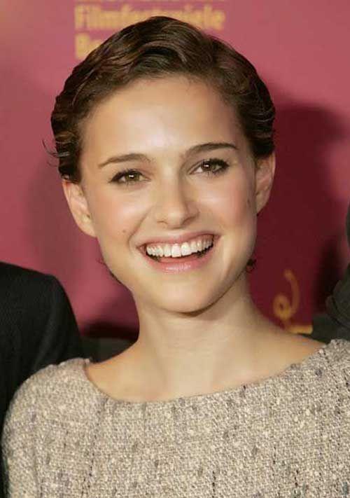 Natalie Portman ist eine der Schauspielerinnen, die ihren Bart für ihre Rolle hacken, und sie hat den Brownie auf so viele Arten gerockt! Hier in unserer Arkade …
