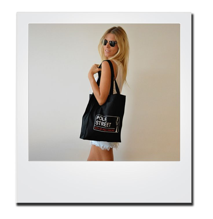 So chic in black! Buy yours for € 19.00 on polestreet.com