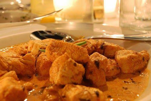 Street Food, Cuisine du Monde: Recette de poulet au beurre, et aux épices (Pendja...