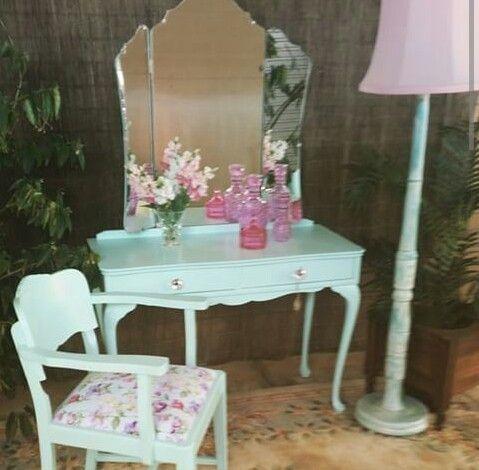 Precioso conjunto de tocador silla y lampara clalky for Sillas para tocador