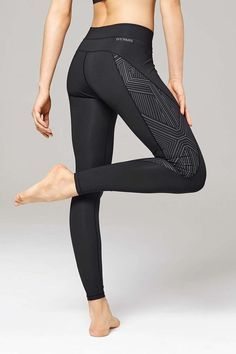 ♡ Women's Reflective High Wait Leggings | Workout Outfis | Workout Clothes…