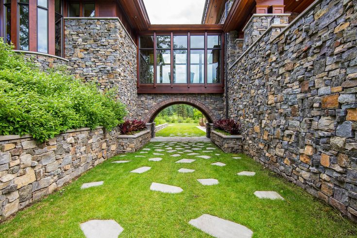34+ Simple But Effective Front Yard Landscaping Ideas on a ... on Courtyard Ideas On A Budget id=52111