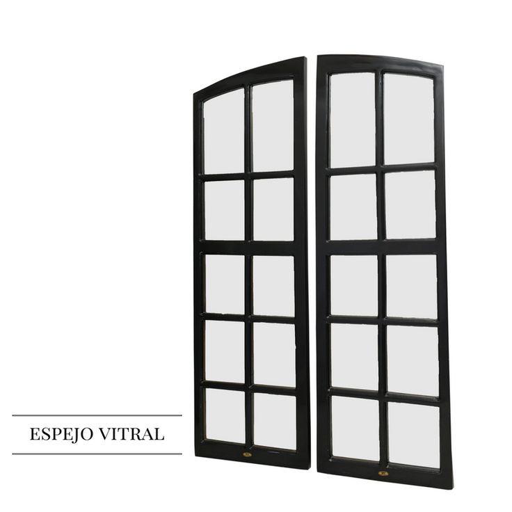 Vitral original adecuado para ser usado como espejo tamaño cuerpo entero.