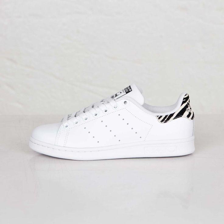 adidas stan smith noir et blanche vans of the wall. Black Bedroom Furniture Sets. Home Design Ideas