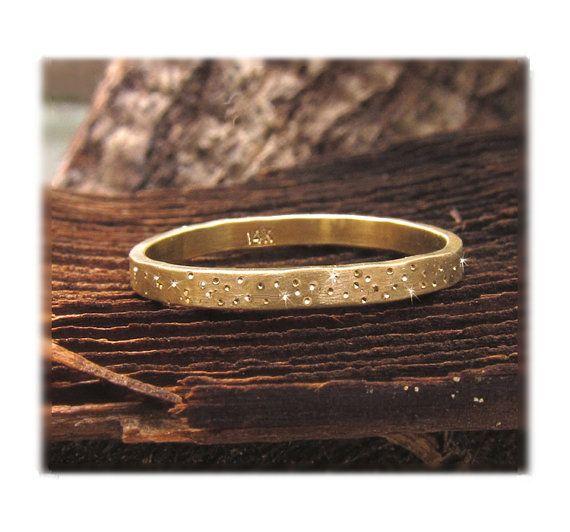 14 k Gold Ehering Gold Sparkle Ring Ring von BossStudiosJewelry