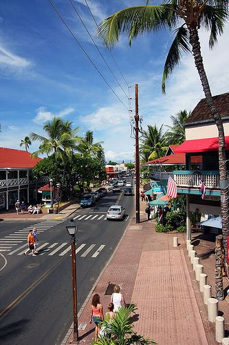 Lahaina, my favorite place to shop on the Island.
