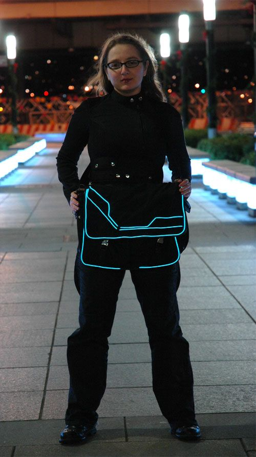 DIY Tron Bag by Becky: Geek chic with electroluminescent wire.