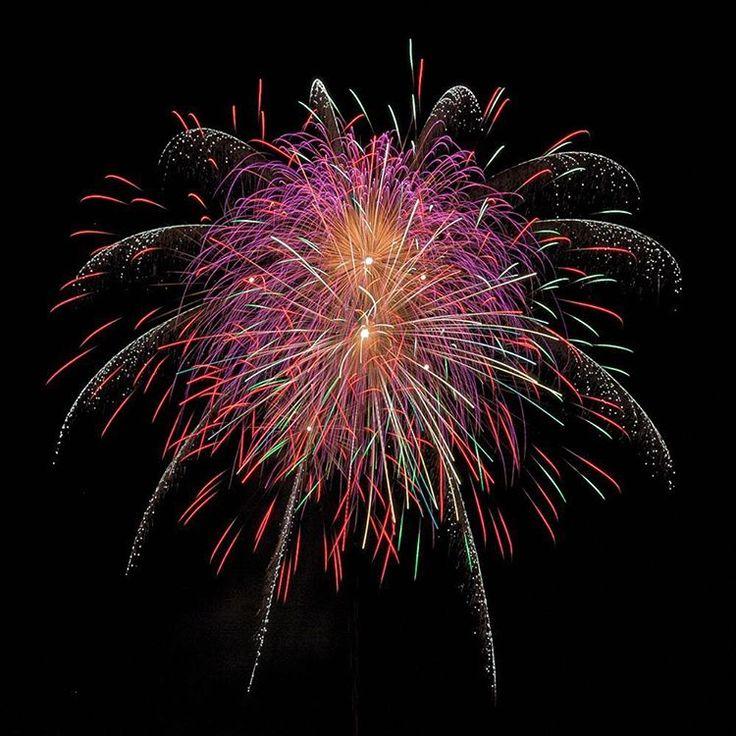 Fireworks at the Munich Frühlingsfest 2016 / Feuerwerk zum Münchner Frühlingsfest 2016