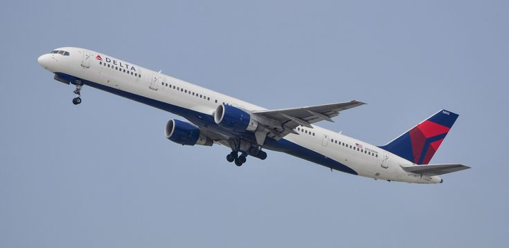 Delta Airlines 757-351 departing LAX on August 13, 2011.