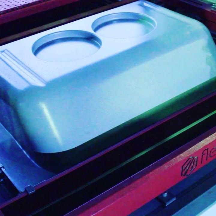 Формование корпуса рефрижератора. АБС 5 мм. односторонний нагрев 180 градусов цельсия постепенный вакуум раздув по высоте с регулировкой интенсивности. Вакуум формовочный станок S-серия. #mech_home #function #machine #mechanism #bending #metal #sheet #mechanical #engineering #design #hot #amazing #wonderful #like #mechanics #machinery #university #college #technology #vacuumforming #cnc #equipment #beautiful #welding #metallwork #pneumatic #hot #video #videos #instavideo #videohot