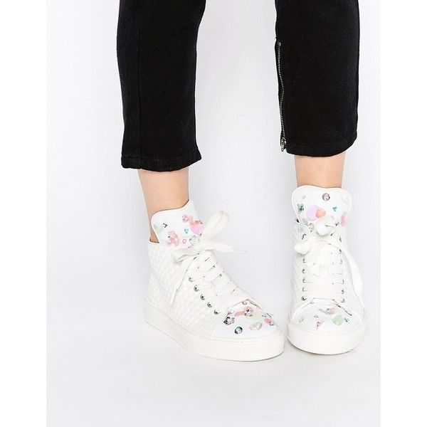 Minna Parikka Bumble White Sequin 3D Flower High Top Sneakers ($466) ❤ liked on Polyvore featuring shoes, sneakers, white, white high tops, studded lace-up wedge sneakers, white wedge sneakers, high top tennis shoes and glitter sneakers