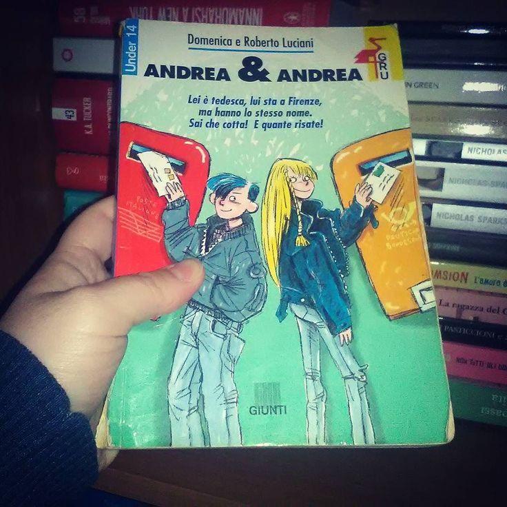 """@la_spacciatricedilibri ci ha taggate per il #27thbookonmyshelf ed ecco qui il ventisettesimo libro sulla nostra libreria! Si tratta di uno dei primi libri ad entrare tra i nostri scaffali un libro per ragazzi davvero molto carino e del quale conserviamo un piacevole ricordo: """"Andrea & Andrea"""" di Domenica e Roberto Luciani. """"Non si sono mai visti ma si raccontano tutto: della scuola degli amici dei genitori. Per ogni lettera pazze risate e un po' di batticuore. Finché la scatenata Andrea e…"""