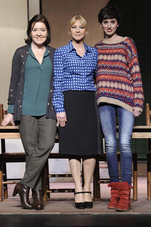 María Pujalte, Amparo Larrañaga y Marina San José en el estreno de la obra de teatro 'Hermanas' #actrices #teatro #famosas