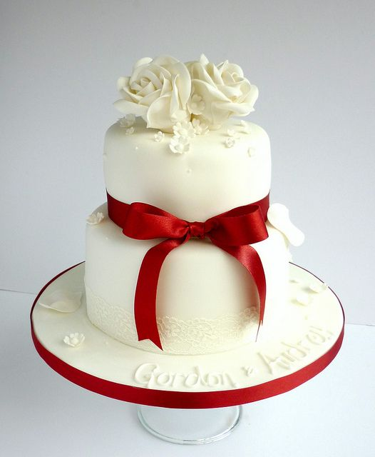 Cake Decorations For Ruby Wedding Anniversary : 1000+ images about Anniversary Cake Ideas on Pinterest