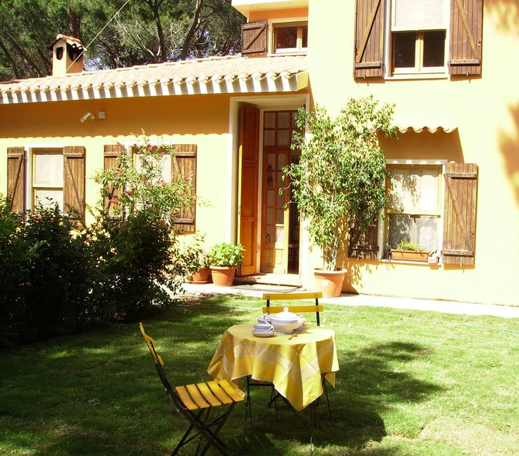 The Villa Mare e Pineta Bed and Breakfast is situated on the south-western coast of Sardinia in Santa Margherita di Pula. It is the perfect place to spend a relaxing holiday in complete comfort, due to the fabulous location and the high quality of service.