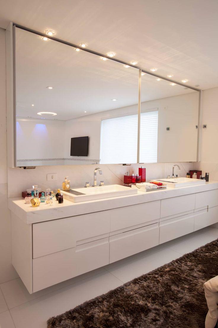 Obra residêncial scs: banheiros por sandra sanches arq e design de interiores,moderno