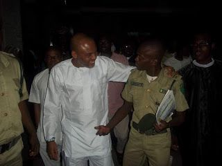 BIAFRA: NNAMDI KANU DELAYED FROM GOING TO COURT BY PRISON OFFICIALS: INSISTED ON APPEARING IN BIAFRAN ATTIRES: JOHN TSOHO STEPS DOWN