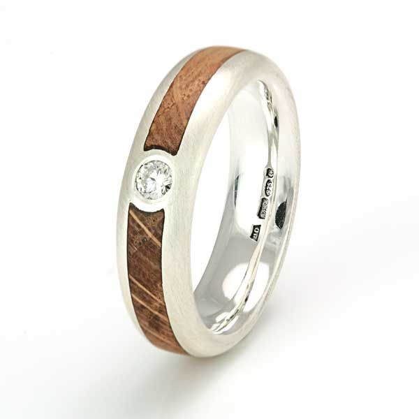 Silver ring (5mm) with an inlay of oak and a 3mm diamond C337 - eco wood rings
