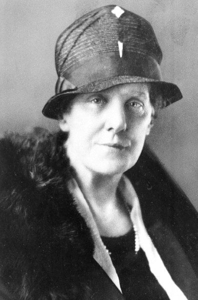 Anna Jarvis: Auf die US-Frauenrechtlerin geht der Muttertag zurück. Sie wollte mit dem Tag ihrer Mutter gedenken, die am zweiten Sonntag im Mai 1905 gestorben war.