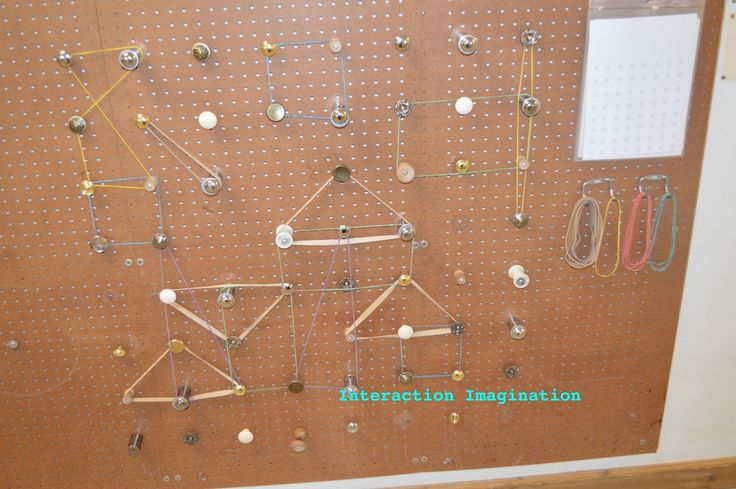 Elastic/knob board - Fine motor skill and shapes