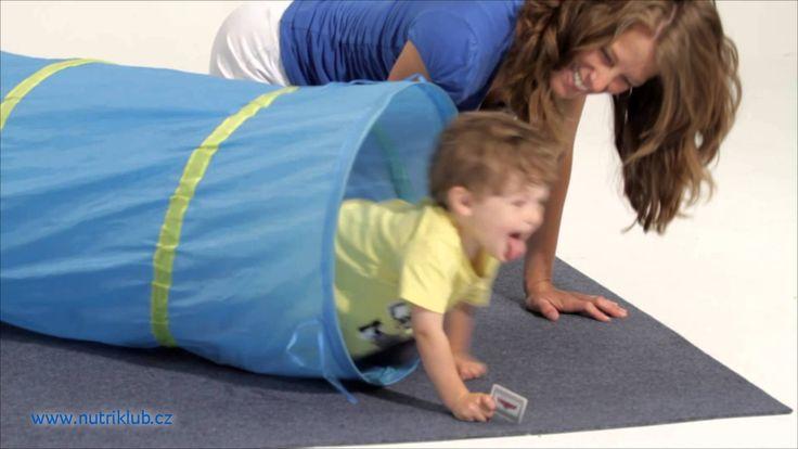 Cvičení s dětmi - 6. cvičení: LEZENÍ