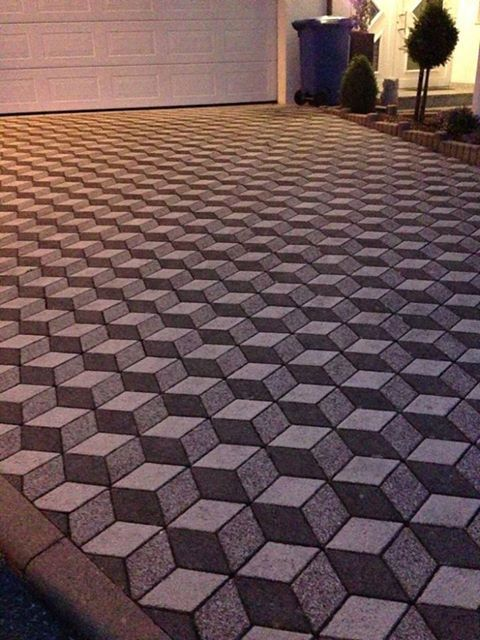 What an awesome 3D Paving design. Speak to us at Mobicast about our range of products, and get some ideas for your home  Find us on Facebook:  http://www.facebook.com/Mobicast.GardenRoute