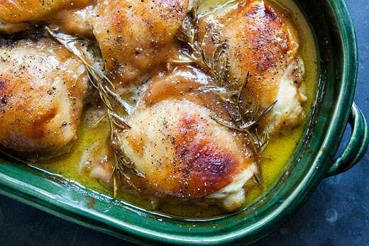 Εύκολο: μπουτάκια κοτόπουλου με σάλτσα μουστάρδας Μια εύκολη συνταγή για να νοστιμέψετε το κοτόπουλο. Υλικά: • 1/4 – 1/3 φλιτζανιού μουστάρδα Dijon • 1/4 – 1/3 φλιτζάνι μέλι • 1 κουταλιά ελαιόλαδο • 2-3 κιλά μπουτάκια κοτόπουλου • Μπόλικο δενδρολίβανο • αλάτι • Φρεσκοτριμμένο μαύρο πιπέρι Διαδικασία: Προθερμαίνετε το φούρνο στους 250°. Σε ένα μεγάλο μπολ, ανακατεύετε τη μουστάρδα με το […]