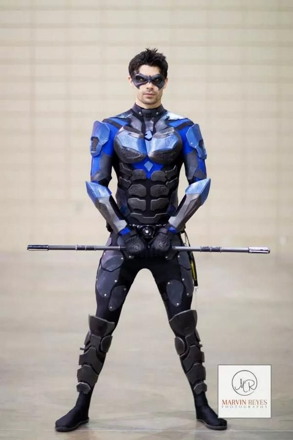 Nightwing cosplay