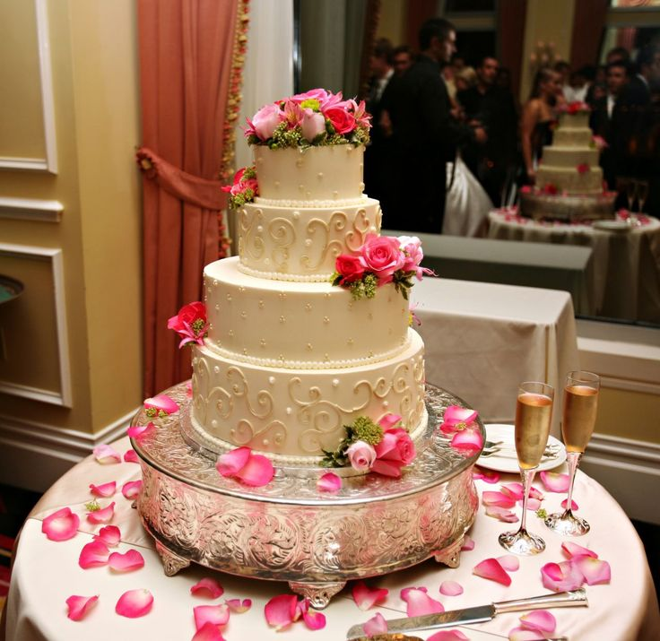 Wedding Cakes with Interesting Design for Wedding