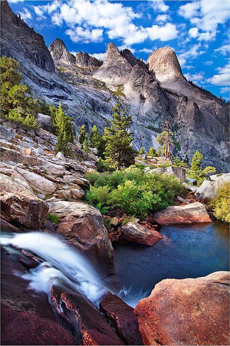 Sierra Nevada, High Sierra Trail, Hamilton Creek, Sequoia National Park, California; photo by Michael Greene