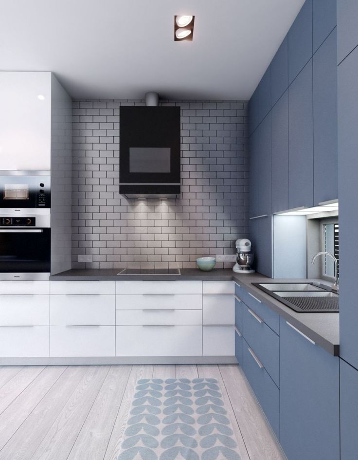 Two-toned cabinets are a great way to spruce up a kitchen!
