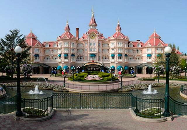 Where to Stay at Disneyland Paris | Find out about the official Disney hotels at every price category.