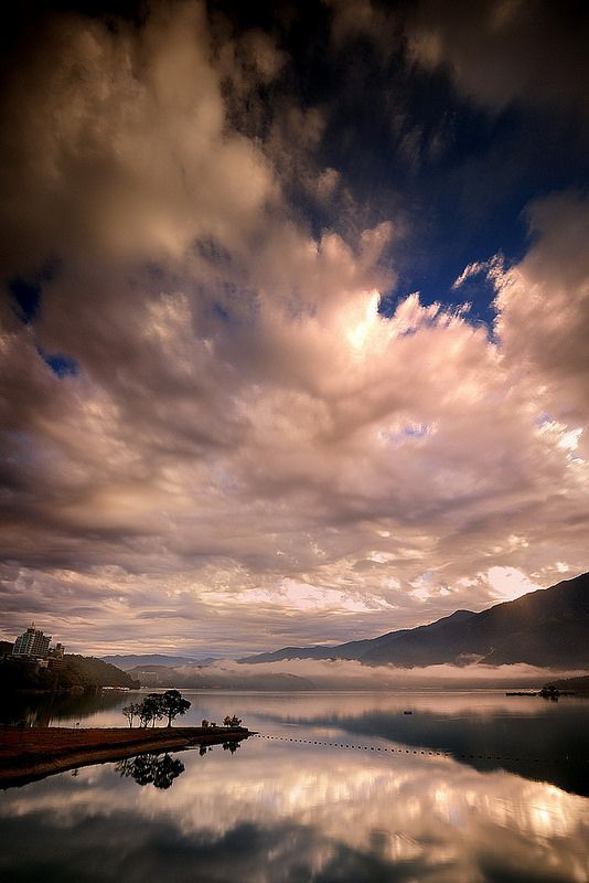 Sun Moon Lake, Taiwan 日月潭-2