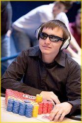 Auch die 22. Auflage der Full Tilt Online Poker Series (FTOPS) ist inzwischen wieder Geschichte. Zum Abschluss der Serie auf der PokerStars-Tochter Full Tilt gab es wieder wie üblich die zwei wichtigsten Events.