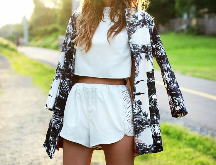 Nettenestea annette haga outfit hvit topp mesh skinn shorts nvrnkd antrekk vår sommer 2014 blogg moteblogg stylista