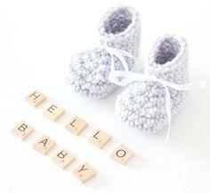 Super schnelle Babyschuhe mit Anleitung, baby booties, crochetbooties, babyschuhe, babystiefel, geschenk, babyparty, häkelschuhe, häkeln, crochet, geburt