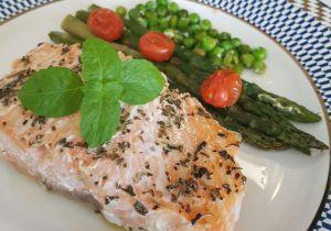 Dieta do Metabolismo Rápido funciona como palha seca na fogueira: queima até 10 quilos em 28 dias! O cardápio também reequilibra os hormônios e favorece o ganho de músculos. Jennifer Lopez virou fã