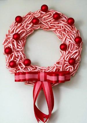 Candy Cane Christmas wreath with bow