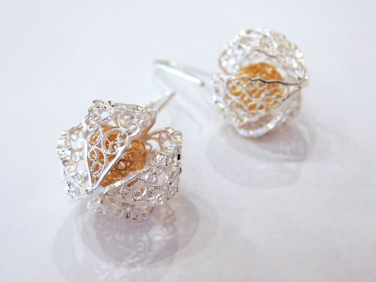Golden berry earrings in silver - Design by Lucia Moure for Artesanías de Colombia, manufactured in Mompox, 2015