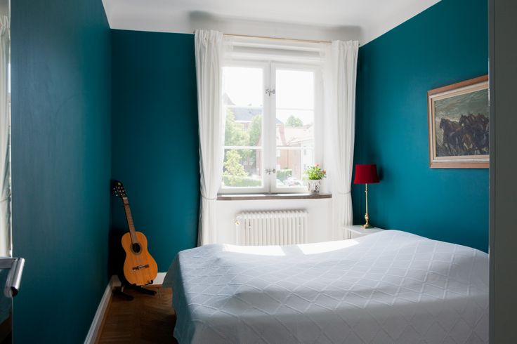 Amazing wall color! Swedish home! Scandinavian Apartment.