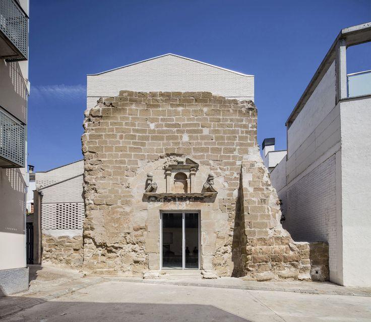 Architektonischer Dialog in Katalonien - Kirchenumbau von ALEAOLEA
