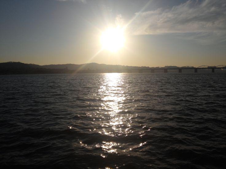 한강의 일몰