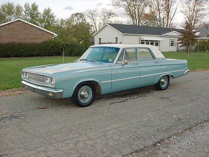 This is a time travel for me because this is exactly what my first car was - a 1965 Dodge Coronet. Minerva.