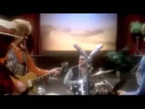 """""""Runaway"""" - Traveling Wilburys: Bob Dylan + George Harrison + Jeff Lynn + Tom Petty + Roy Orbison + Jim Keltner - LOVELY ROCK STARS!"""