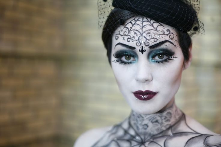 Google Image Result for http://www.eyeshadowlipstick.com/wp-content/uploads/2012/09/gothic-beauty-halloween-makeup-1-1024x683.jpg