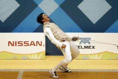 Guilherme Toldo venceu o colombiano Dimitri Roa na final do florete no domingo (22/04/2012) e garante vaga para Londres 2012.