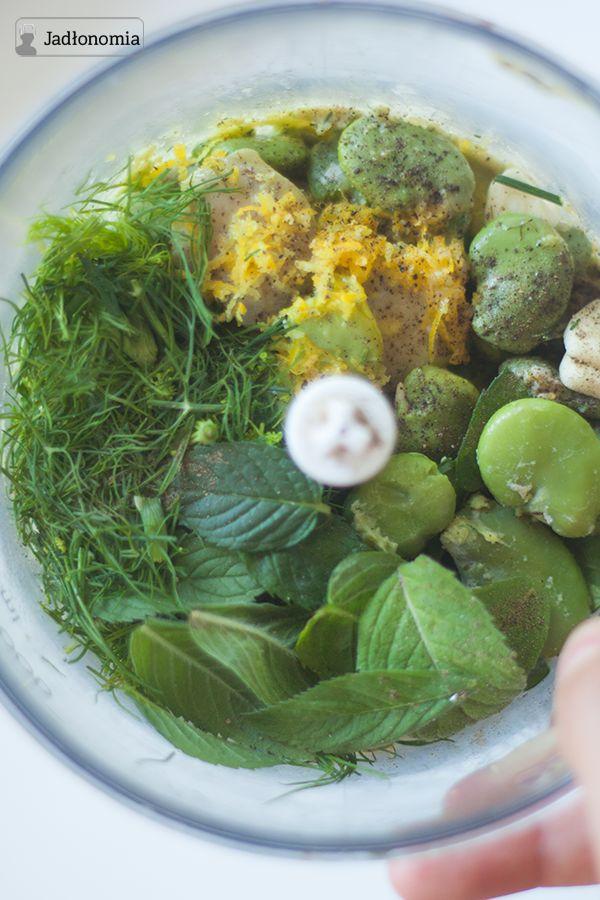 jadłonomia •  Pasta z bobu z miętą i cytryną